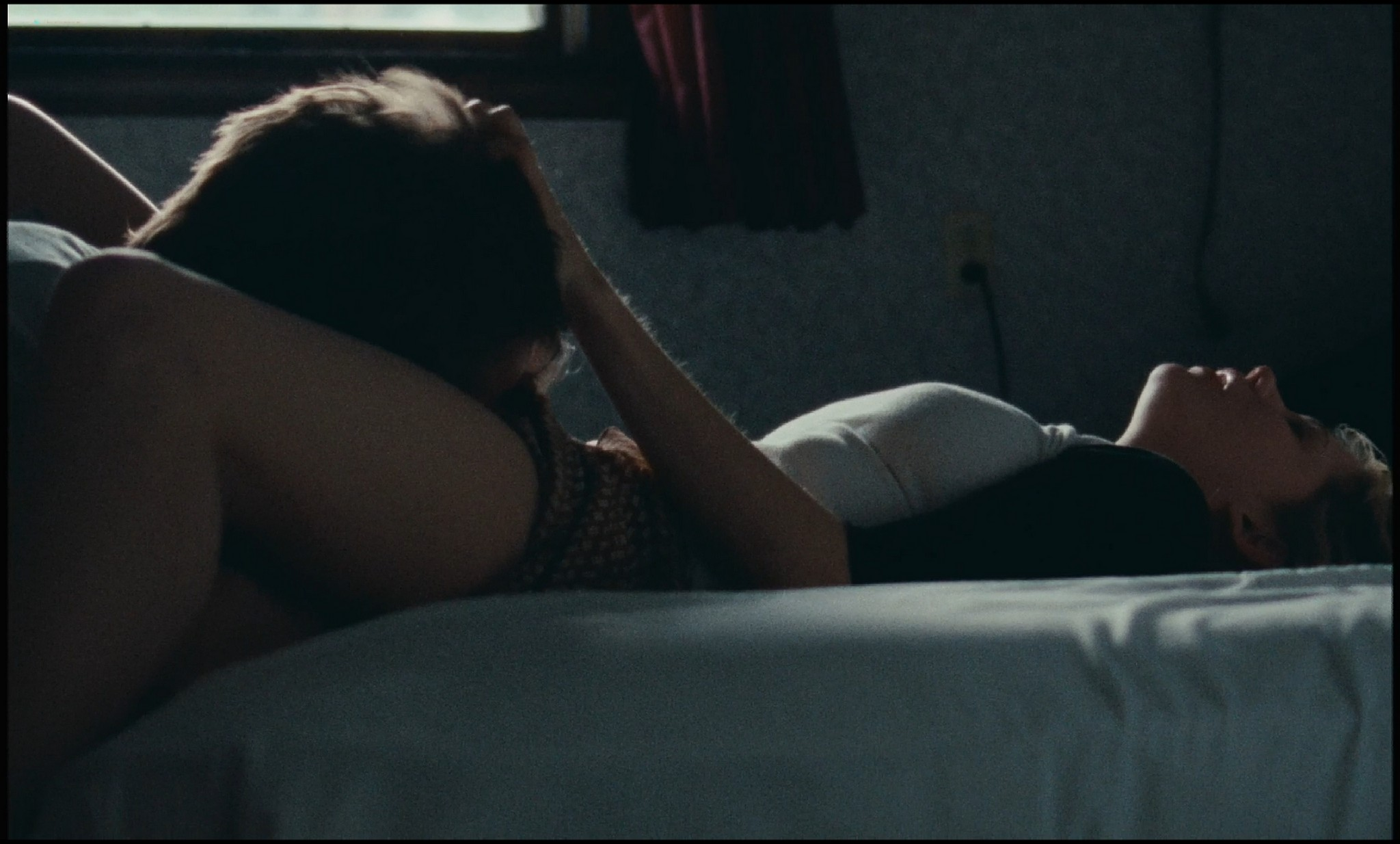Michelle Williams nude topless and some hot sex - Blue Valentine HD 1080p BluRay REMUX (3)