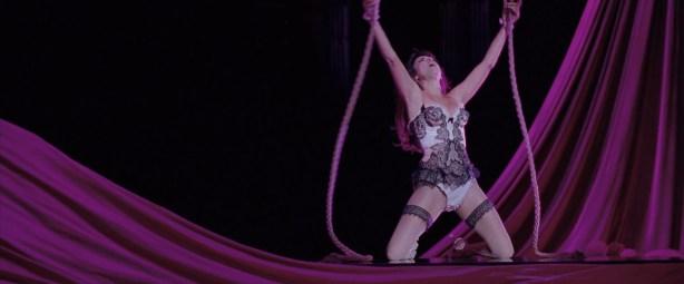Penelope Cruz hot lingerie, Marion Cotillard and Fergie hot too - Nine (2009) HD 1080p BluRay (4)