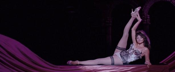 Penelope Cruz hot lingerie, Marion Cotillard and Fergie hot too - Nine (2009) HD 1080p BluRay (7)