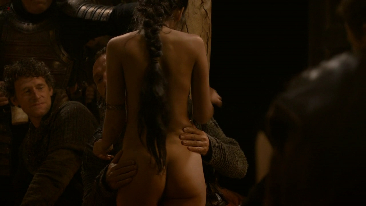Sahara Knite nude topless and bare naked butt - Game of Thrones s2e9 hd720p