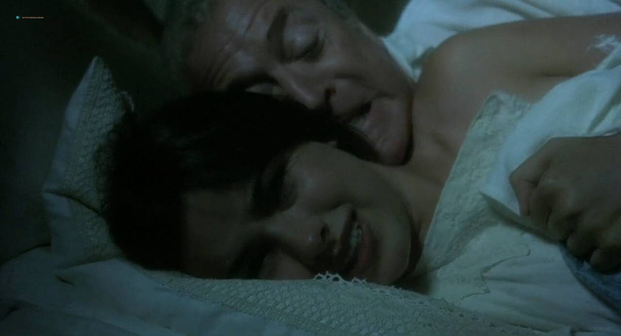 Kate Winslet and Rebecca Palmer naked Amelia Warner hot sexy - Quills (2000) HD 720p (11)