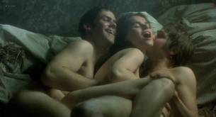 Kate Winslet and Rebecca Palmer naked Amelia Warner hot sexy - Quills (2000) HD 720p (9)