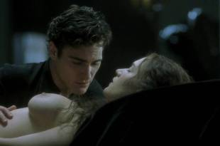 Kate Winslet and Rebecca Palmer naked Amelia Warner hot sexy – Quills (2000) HD 720p