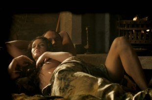 Laura Haddock nude topless and bit of butt – Da Vinci's Demons (2013) s1e2 hd720p