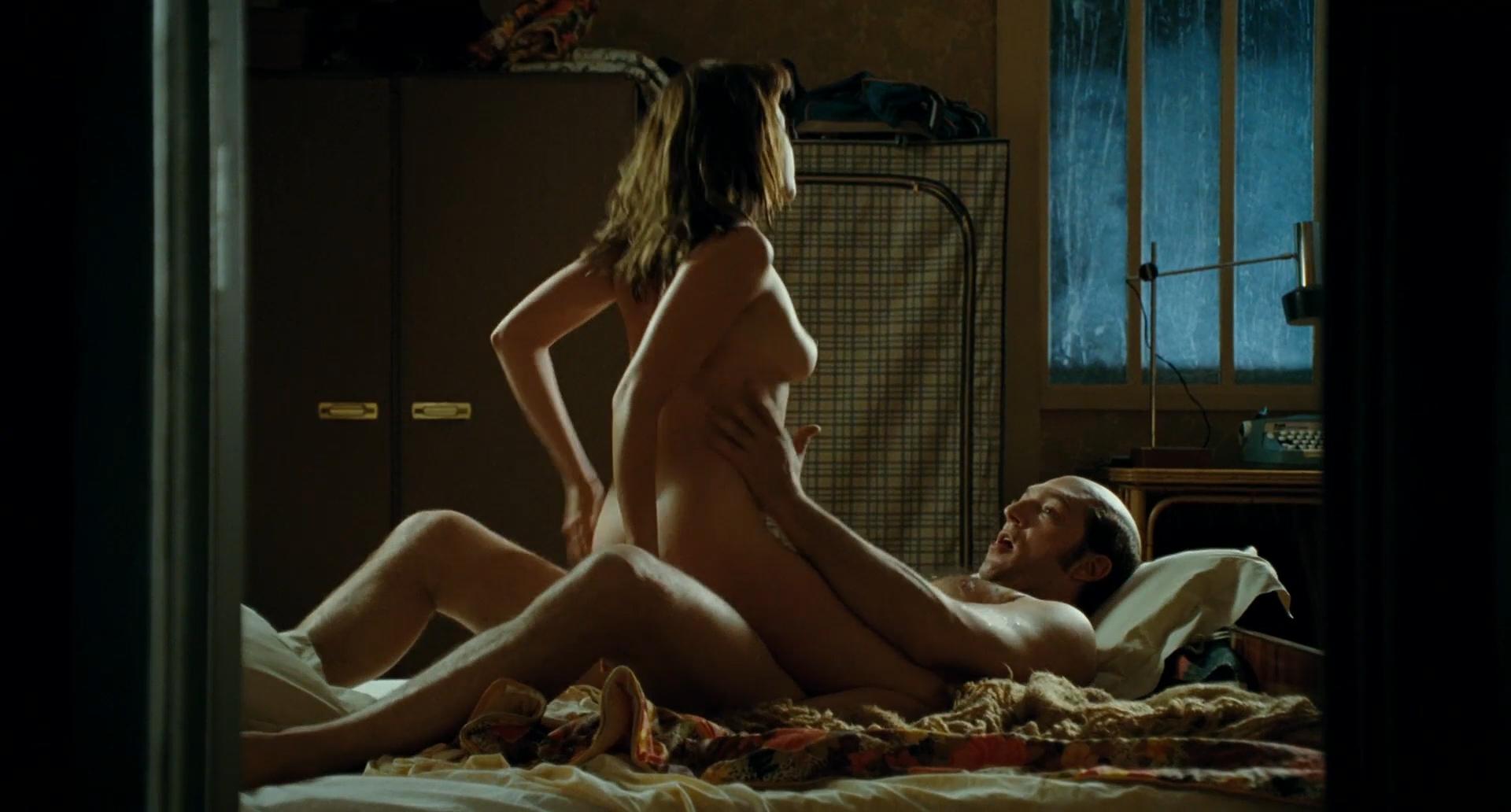 Ludivine Sagnier Nude Topless Hot Sex - Mesrine Public -4900