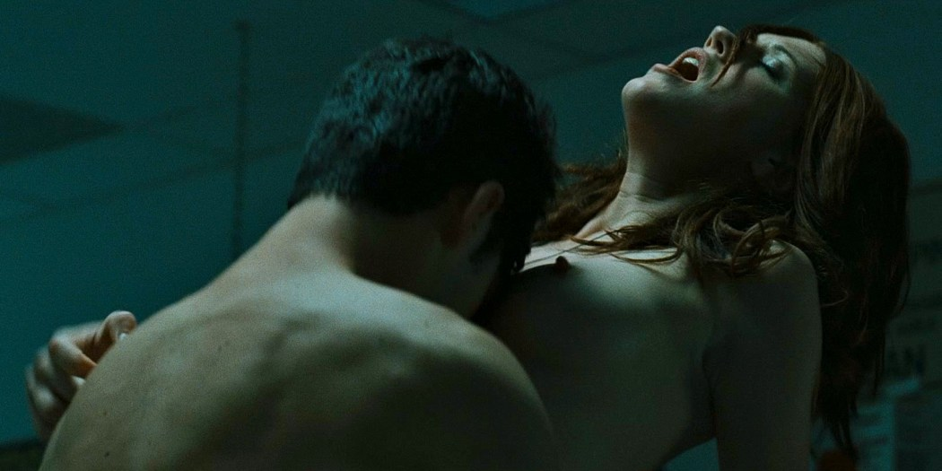 Alyssa Milano nude and bush and Lauren Lee Smith nude topless and sex - Pathology (2008) hd720/1080p (8)