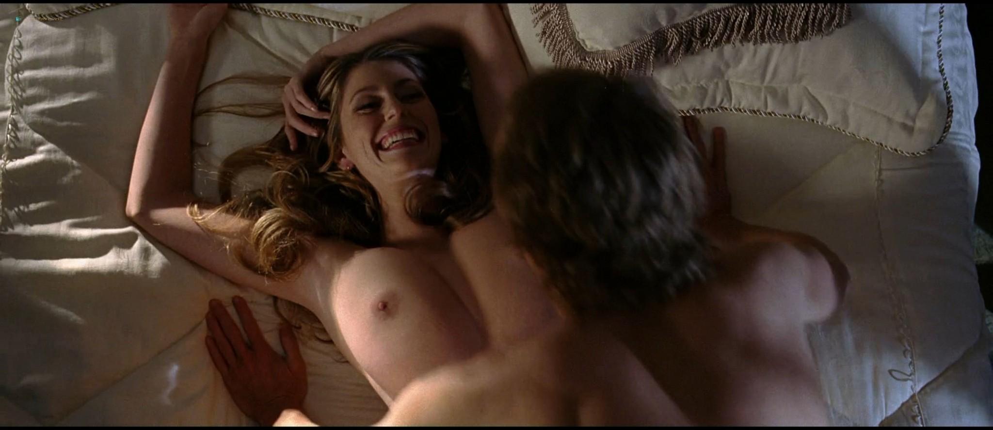 Diora Baird nude topless huge boobs others nude too - Wedding Crashers (2005) HD 1080p BluRay (5)