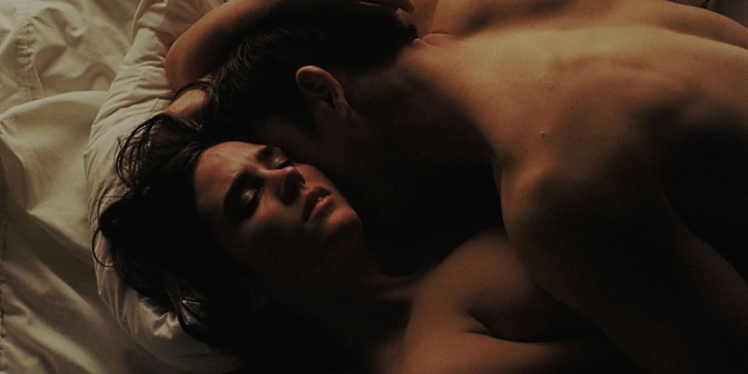 Jennifer Connelly nude and some sex - House of Sand and Fog (2003) HD 1080p BluRay (6)