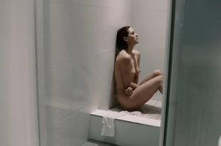 Lauren Lee Smith nude in the shower – One Way (2006) hd720p
