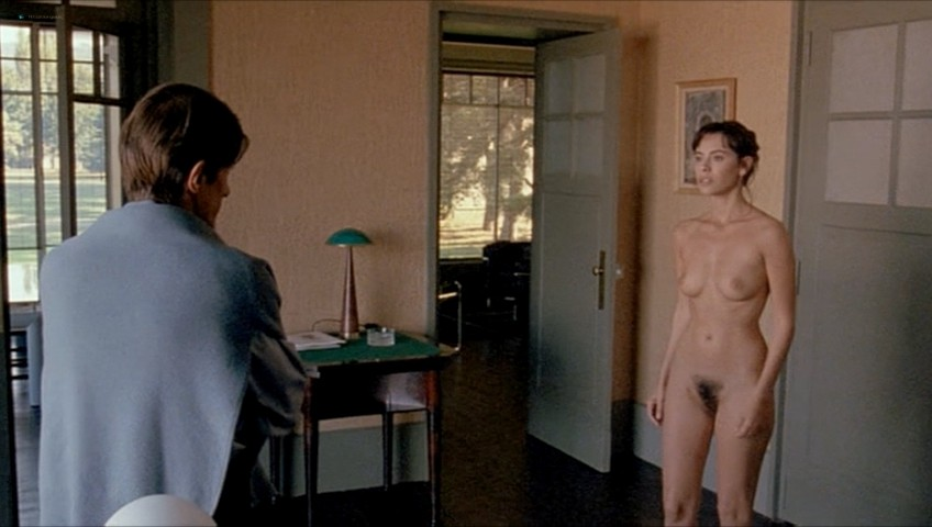 Mathilda May nude full frontal - Toutes peines confondues (1992) (9)