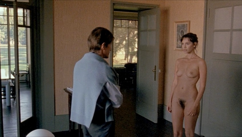 Mathilda May nude full frontal - Toutes peines confondues (1992) (8)