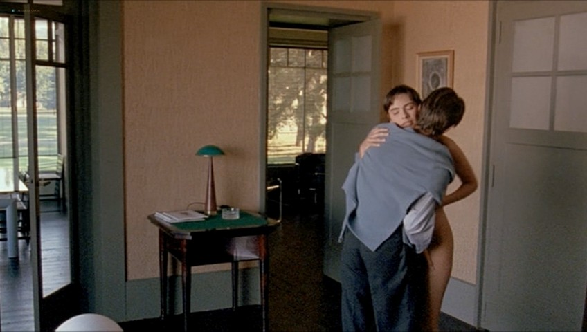 Mathilda May nude full frontal - Toutes peines confondues (1992) (6)