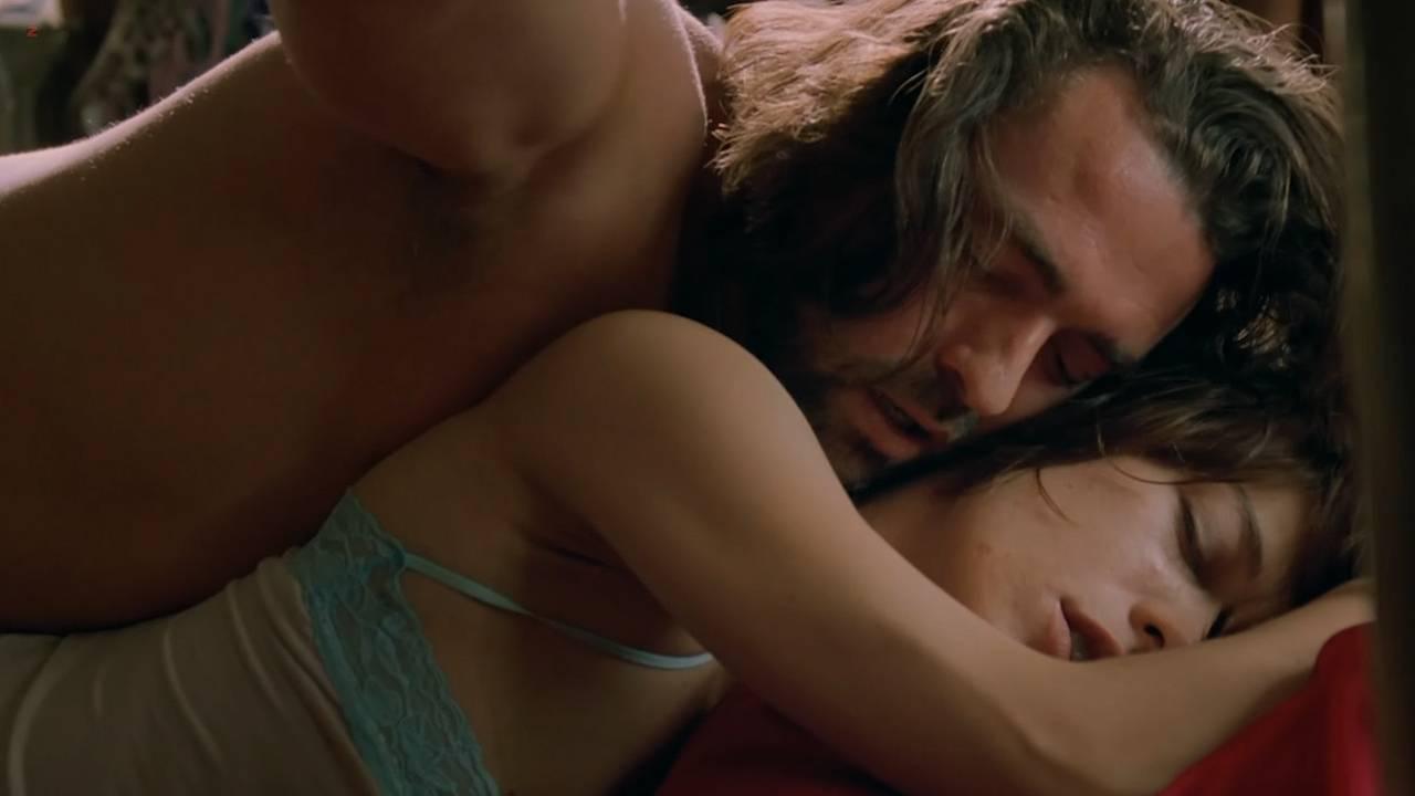 Milla Jovovich nude sex lesbian - .45 (2006) hd720p (13)