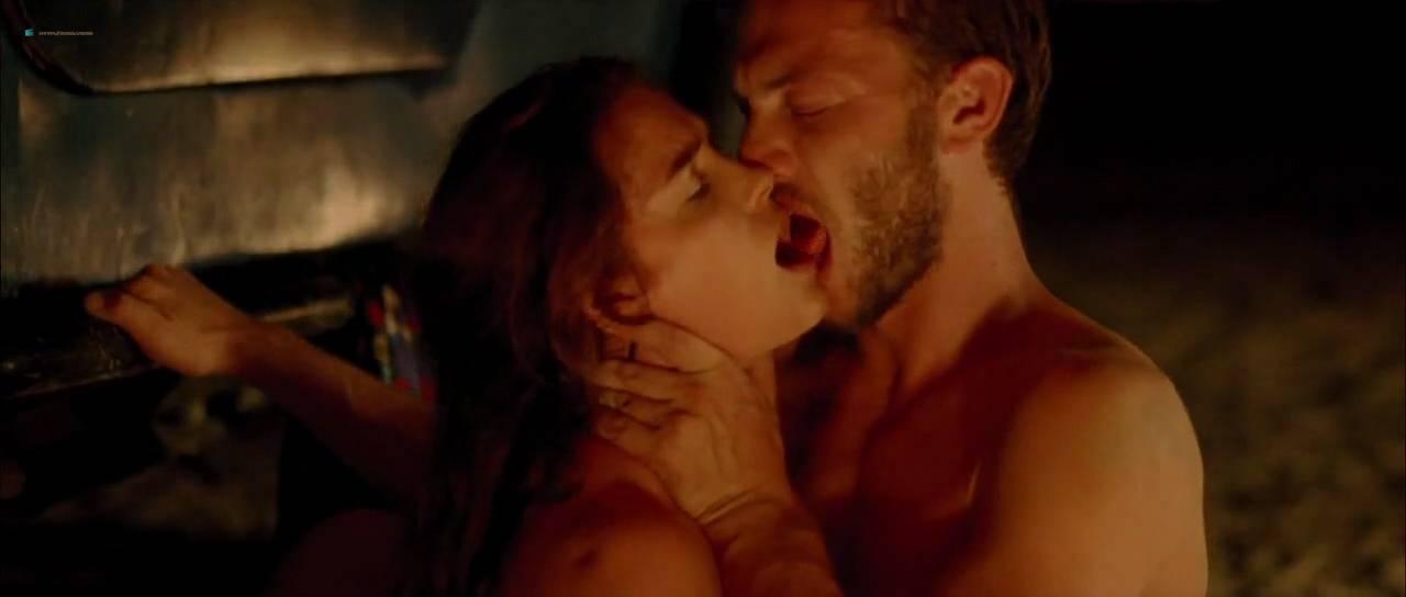 Vahina Giocante nude bush, boobs while skinny dipping - Paradise Cruise (FR-2013) HDTV 720p (12)