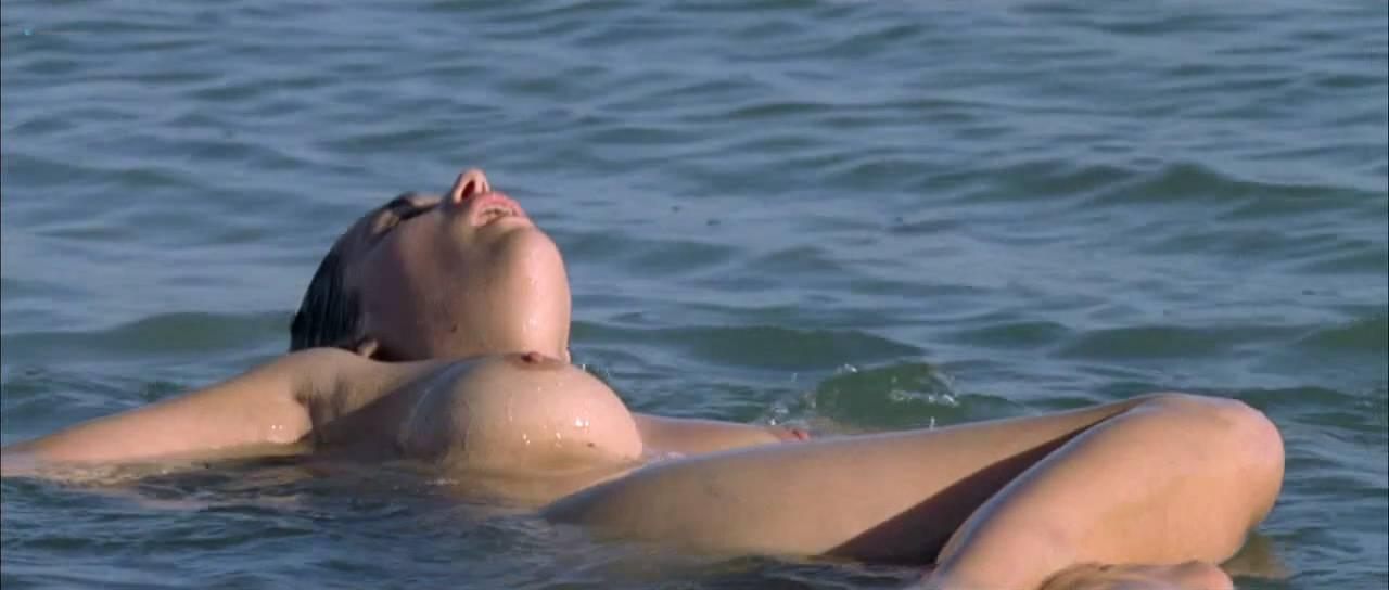 Vahina Giocante nude bush, boobs while skinny dipping - Paradise Cruise (FR-2013) HDTV 720p (4)