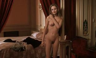 Isabelle Carre nude full frontal and nude butt topless – La femme defendue (1997)