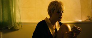 Agyness Deyn nude topless in the bath - Pusher (2012) HD 1080p