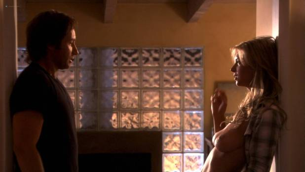 Paula Marshall nude topless Brooke Banner topless Madeline Zima hot - Califonication (2007) s1e2 HD 1080p (14)