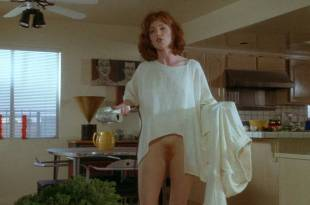 Julianne Moore butt naked full frontal other's nude too – Short Cuts (1993) HD 1080p BluRay