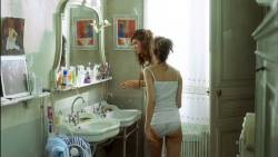 Laetitia Casta nude full frontal - Le Grand Appartement (FR-2006) hd1080p (2)