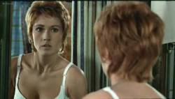 Marlene Jobert nude butt and nipple slip - Le Passager de la pluie (FR-1970) (7)