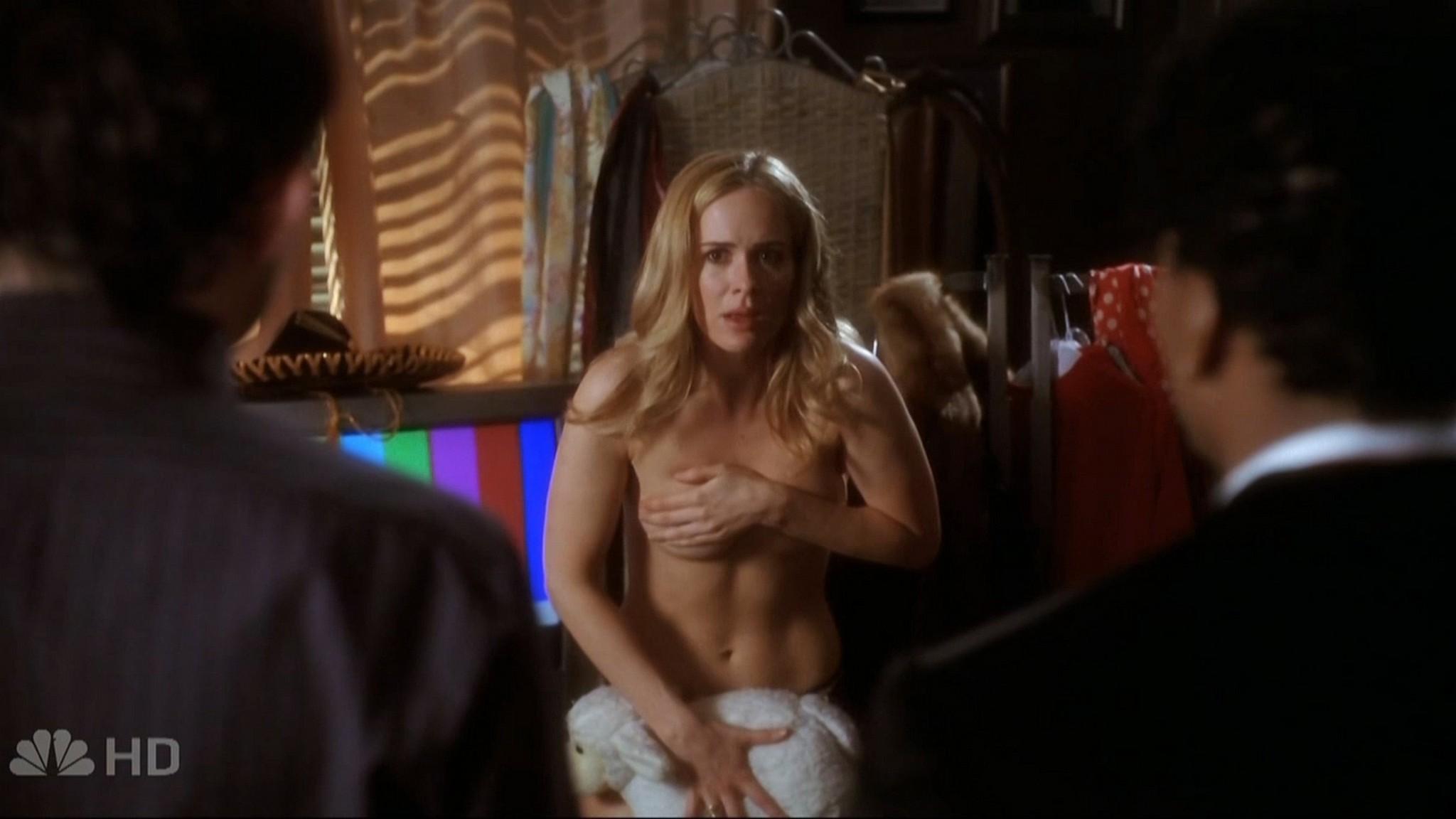 Sarah Paulson sexy - Studio 60 on the Sunset Strip (2006) s1e6 HD 720p (2)
