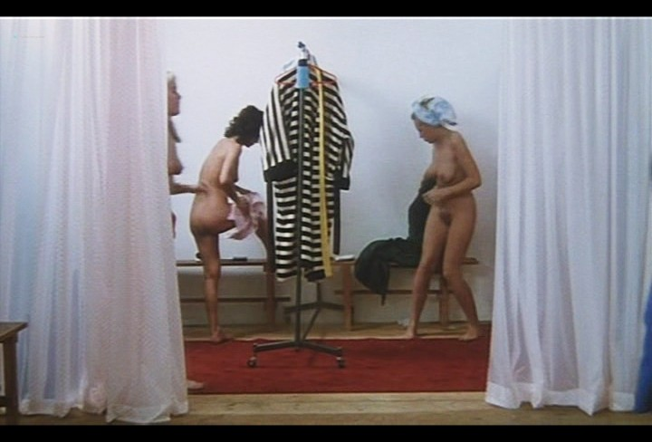 Serena Grandi nude near explicit full frontal nude topless and bush - Lady of the Night (1986) (15)