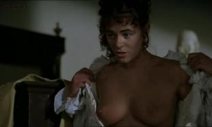Elizabeth Hurley nude topless and very hot Lizzy McInnerny nude in the bath - Rowing with the Wind (1987)