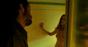 Holly Hunter nude topless and bush - Thirteen (2003) hd720-1080p (3)