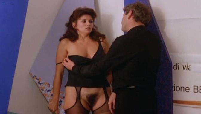Serena Grandi nude topless bush full frontal oral and near explicit - Desiderando Giulia (1986) (3)