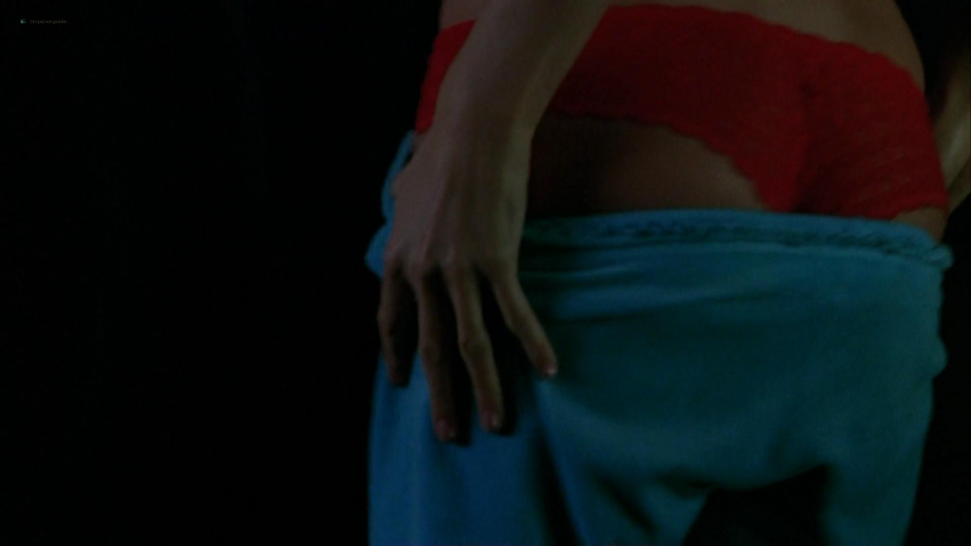 Elisha Cuthbert hot cleavage Paris Hilton striping to bra and panties - House of Wax (2005) HD 1080p (8)