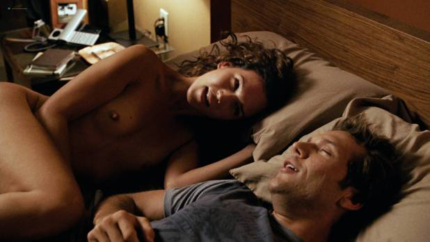 Jessica Alba hot sexy, Chelan Simmons, Yasmine Vox and other's nude – Good Luck Chuck (2007) HD 1080p BluRay (5)
