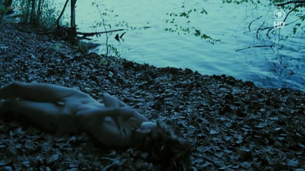 Nina Hoss nude full frontal bush and skinny dipping - Das Herz ist ein dunkler Wald (2008) HDTV 720p (7)
