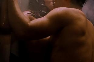 Patricia Velazquez nude in the shower – Mindhunters (2004) hd720p