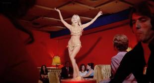 Barbara Bouchet hot and sexy dancer - Milano calibro 9 (1971) hd720p