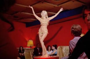 Barbara Bouchet hot and sexy dancer – Milano calibro 9 (1971) hd720p