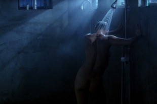 Demi Moore nude in the shower - G I Jane (1997) hd1080p