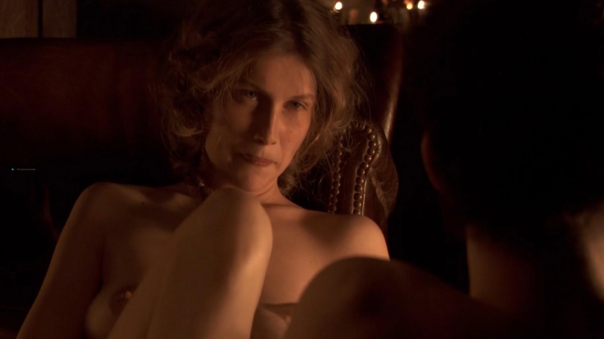 Laetitia Casta nude butt naked topless and hot sex - Nés en 68 (2008) HD 1080p (5)