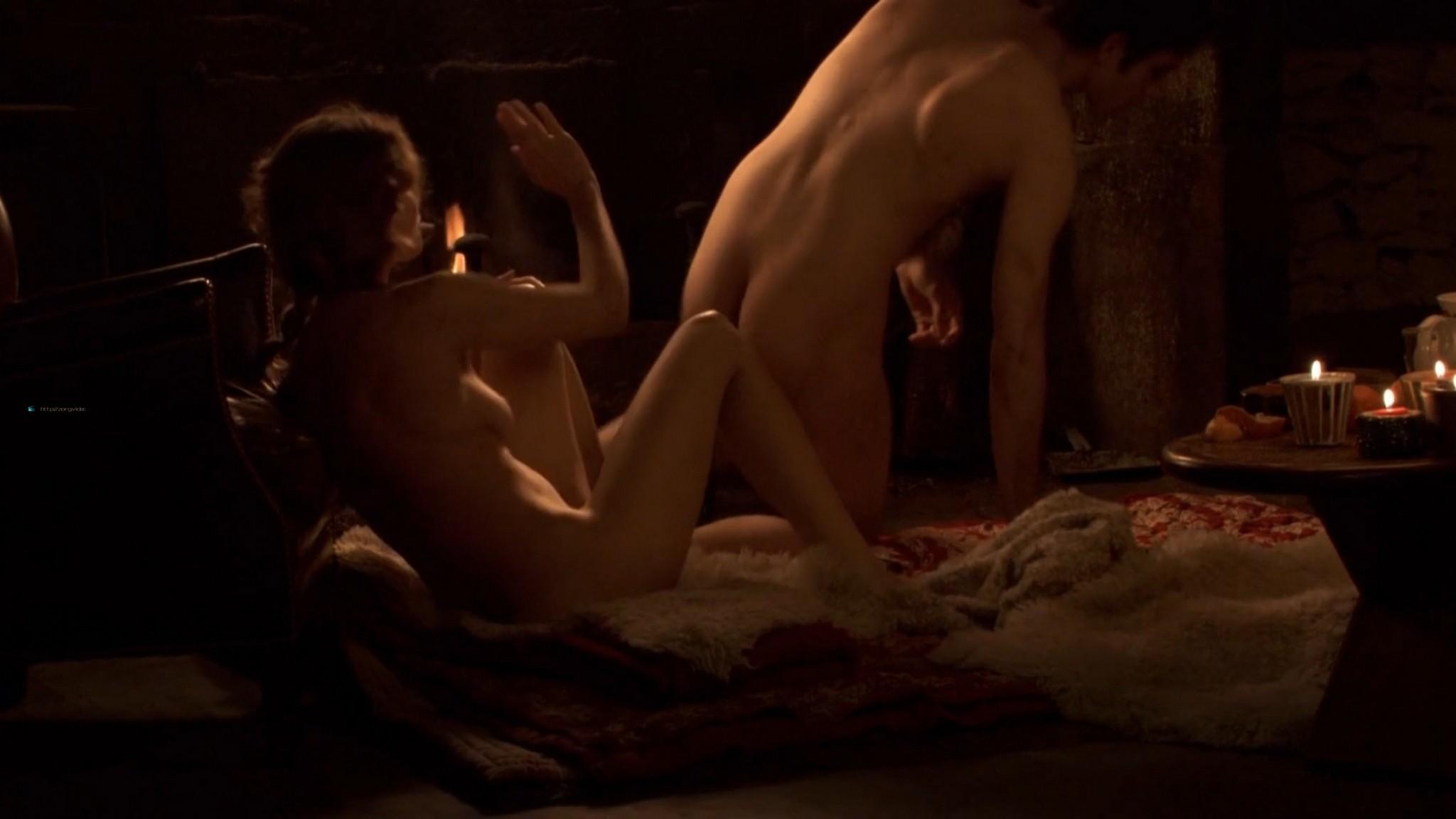 Laetitia Casta nude butt naked topless and hot sex - Nés en 68 (2008) HD 1080p (3)