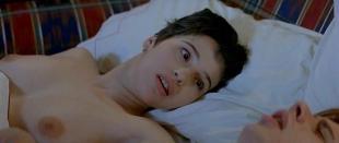 Ariadna Gil nude topless in - Los peores anos de nuestra vida (1994)
