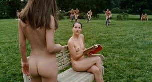Nicole Kidman nude butt and side boob Lynne Marie Stetson nude topless and Gwendolyn Bucci nude topless - Fur: An Imaginary Portrait of Diane Arbus (2006)