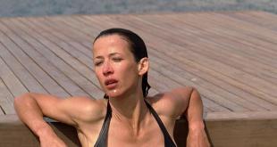 Sophie Marceau hot in bikini - Anthony Zimmer (FR-2005) hd720p