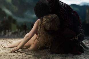 Yvonne Catterfeld nude but covered and butt crack - La belle et la bête (2014) HD 1080p (13)