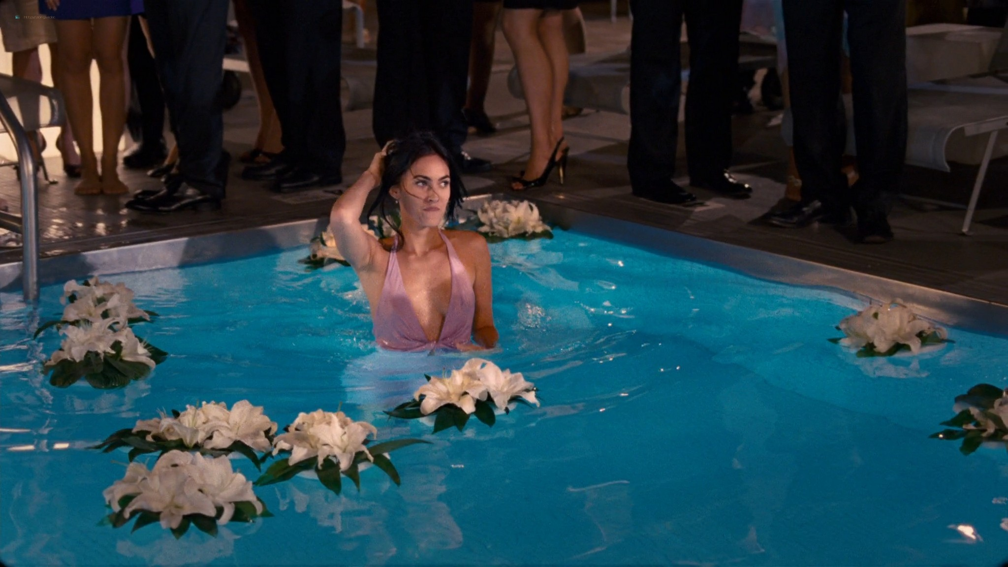 Megan Fox hot wet - How to Lose Friends and Alienate People (2008) HD 1080p BluRay (19)