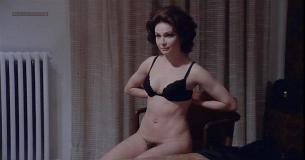 Carole Chauvet nude oral sex Eleonora Giorgi nude - Una spirale di nebbia (1977) (15)