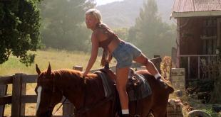 Brittany Daniel hot leggy and Jaime Pressly hot - Joe Dirt (2001) hd1080p (5)