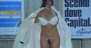 Debora Cali nude full frontal and labia - Ultimo Metro (IT-1999) (4)