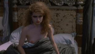 Helena Bonham Carter nude topless and Lynn Redgrave nude sex - Getting It Right (1989)