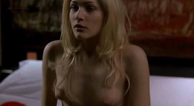 Laura Chiatti nude topless and sex - A Casa Nostra (IT-2006) (2)