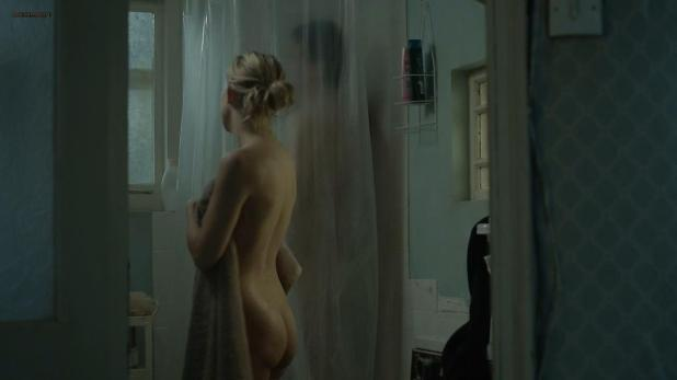 Kate Hudson nude butt naked in the shower- Good People (2014) hd720p (2)